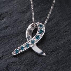 ネックレスカラーダイヤ(チェーン付)