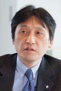 山﨑直也先生